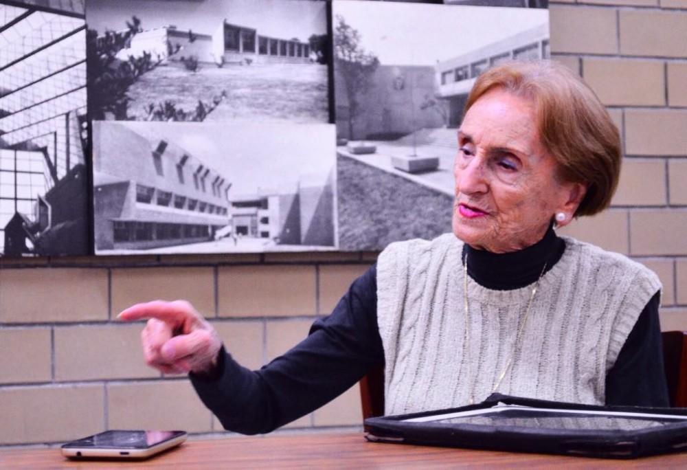 Ma. del Carmen Rovira, 50 años de magisterio filosófico.